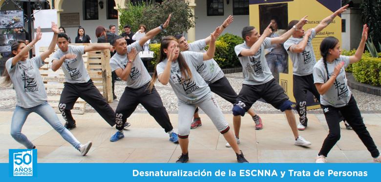 Jóvenes del IDIPRON bailando en el concejo de Bogotá